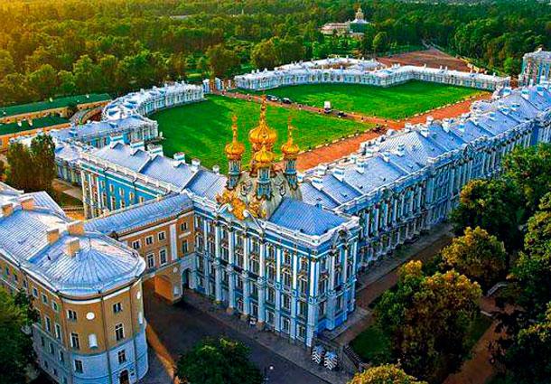 Екатерининский дворец в Пушкине. Санкт-Петербург