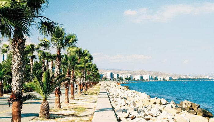 пляжный курорт на Кипре