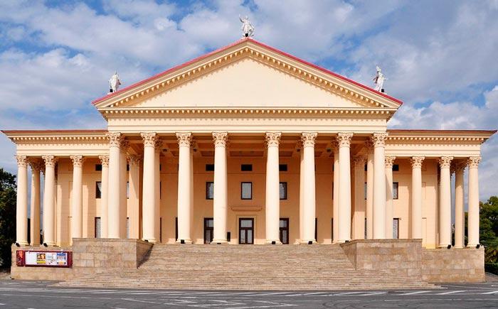 Что посетить в Сочи: Зимний театр