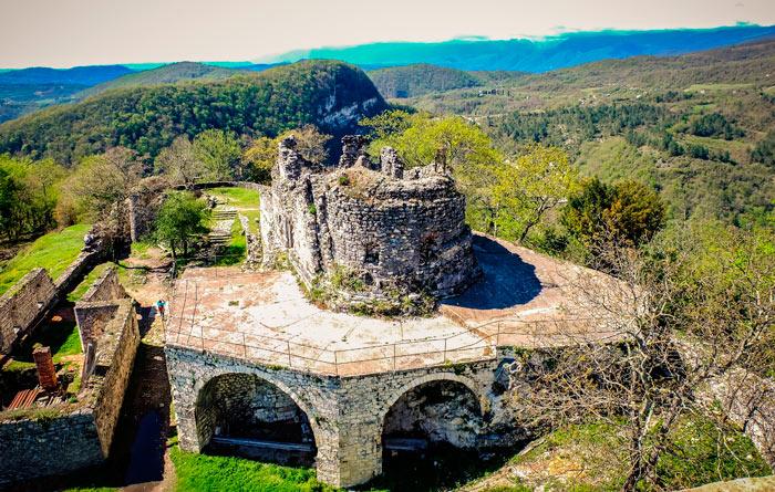 Что посетить в Абхазии: Анакопийская крепость