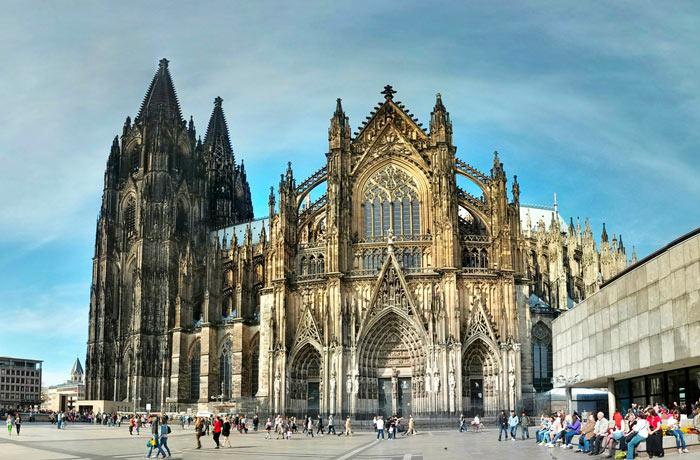 Самые красивые готические соборы Европы