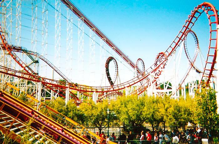 Лучшие парки развлечений в мире: Six Flags Magic Mountain