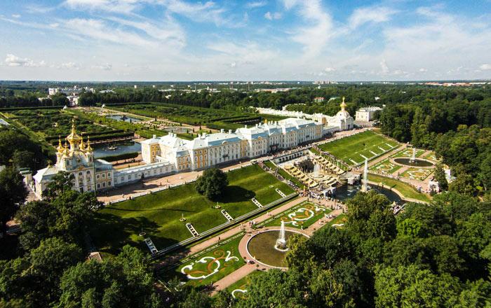 Самые красивые места Ленинградской области: Петергоф