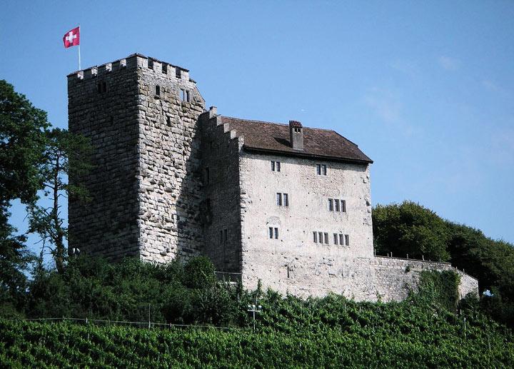 Швейцарский замок Габсбург