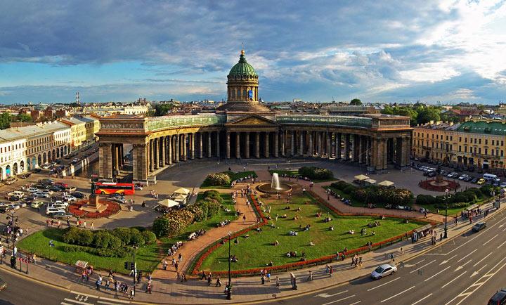 Прекрасное место в Петербурге: Казанский собор