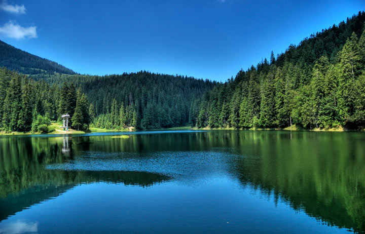 Красивые места в Украине: озеро Синевир