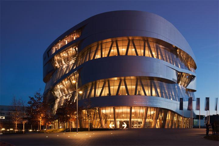 Лучшие достопримечательности Штутгарта: Музей Mercedes-Benz