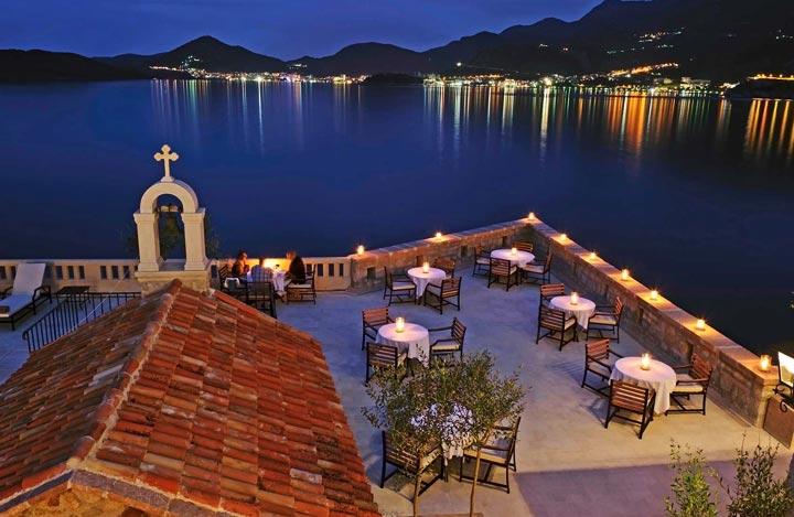 Ресторан на острове Свети Стефан. Фото