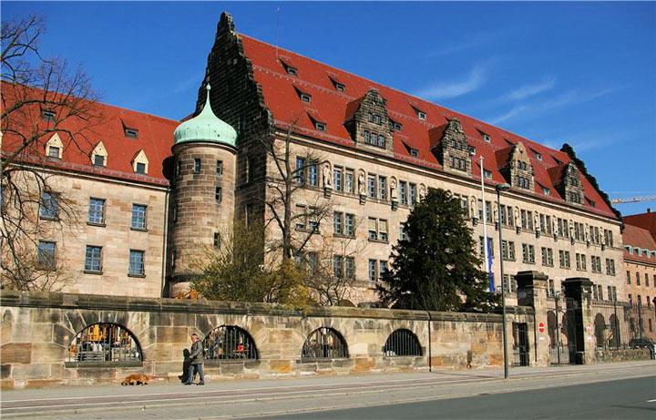 Достопримечательности Нюрнберга: дворец Правосудия