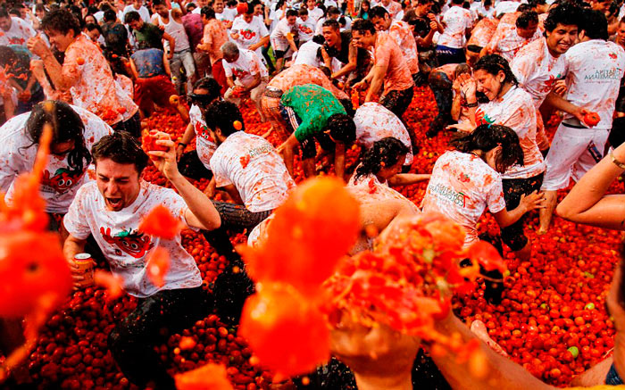 традиции и обычаи Испании: Томатина