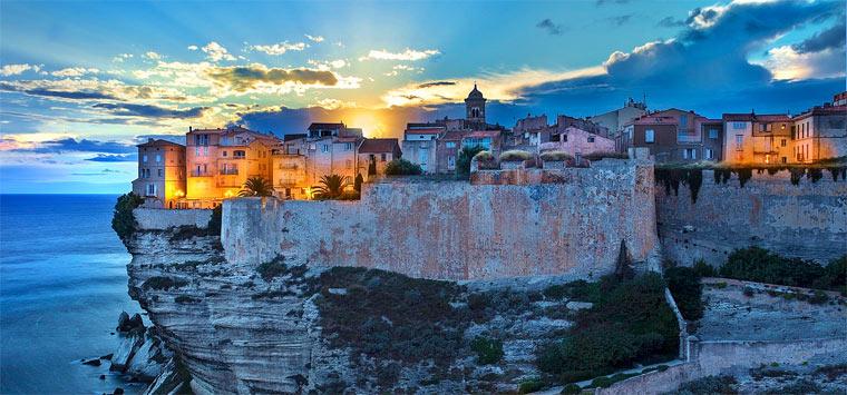12 самых красивых городов Франции