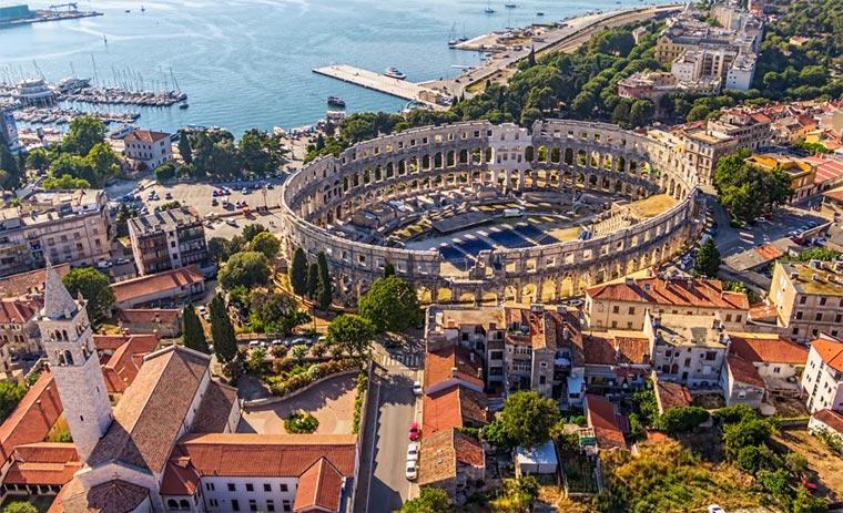 Достопримечательности Хорватии: амфитеатр