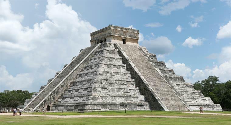 Чичен-Ица - пирамида Кукулькана