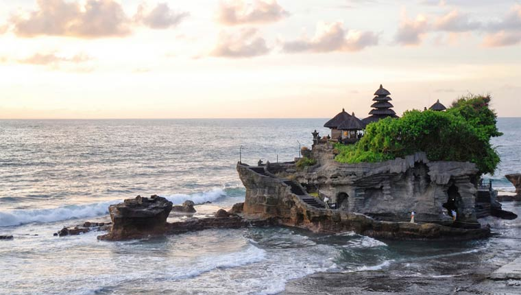 Достопримечательности Бали: Танах-Лот