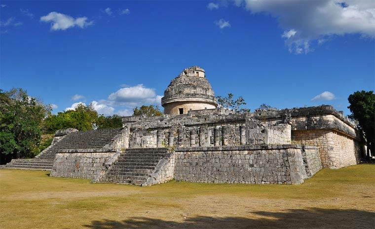 Караколь на територии Чичен-Ицы