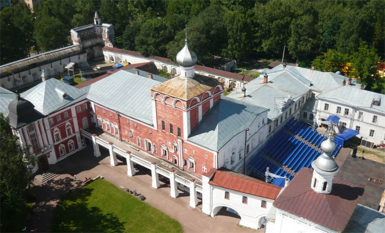 arhierejskij-dvor