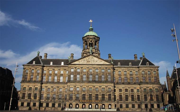 korolevskij-dvorec-v-amsterdame