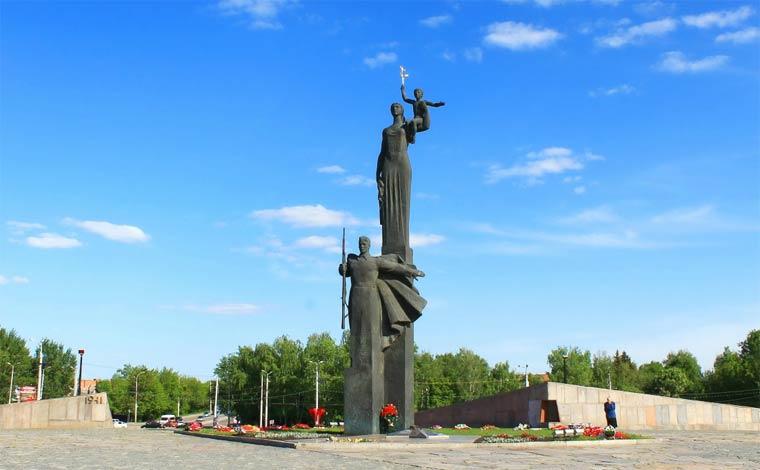 monument-slavy