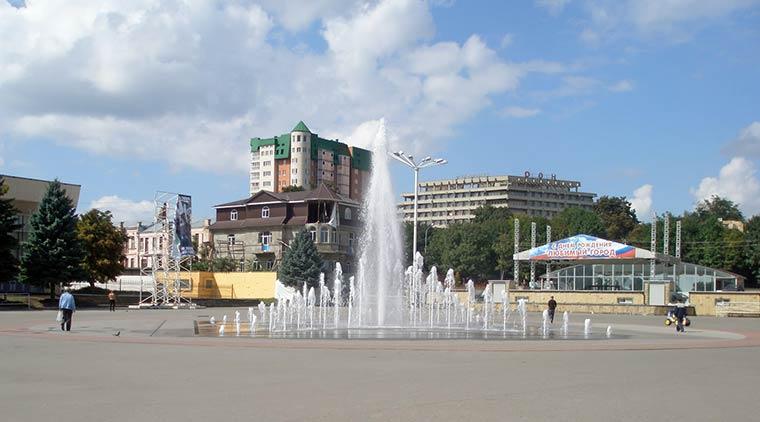 fontan-na-centralnoj-ploshchadi