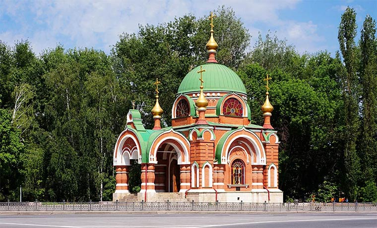 chasovnya-pervoverhovnyh-apostolov-petra-i-pavla