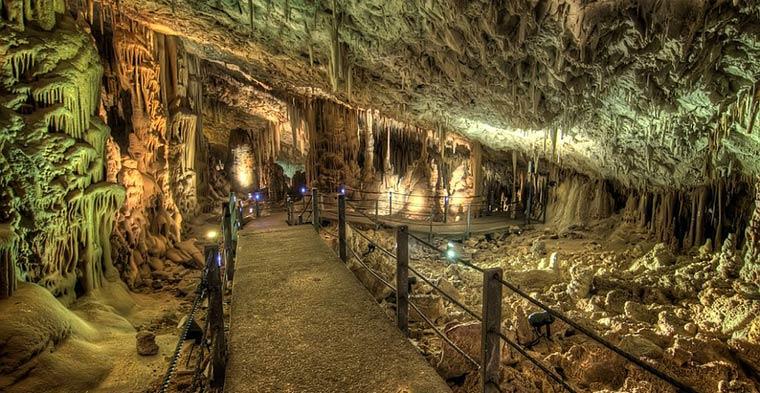 stalaktitovaya-peshchera-sorek