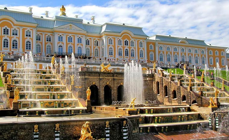 bolshoj-petergofskij-dvorec