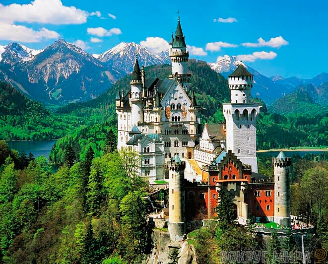 Замок Нойшванштайн в Германи