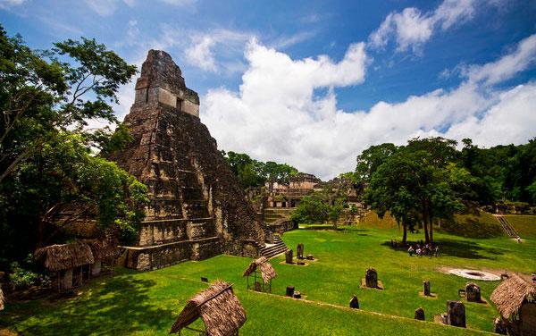 xram-iV-Tikal-Guatemala