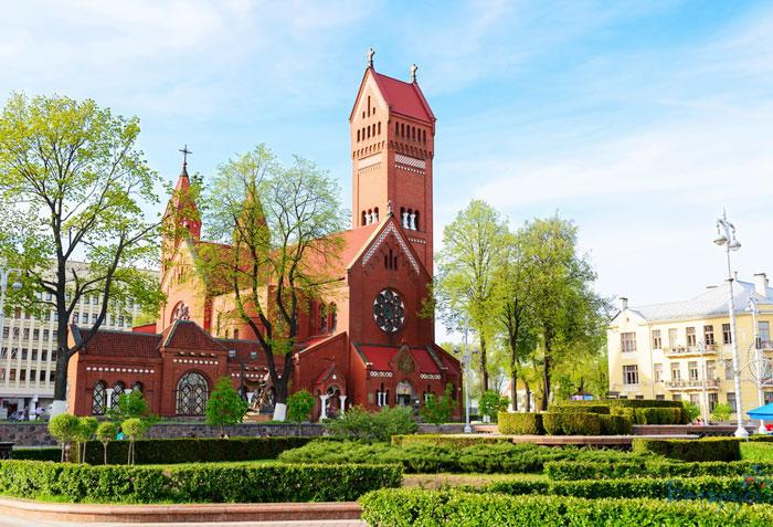 kostel-svyatyx-simeona-i-eleny