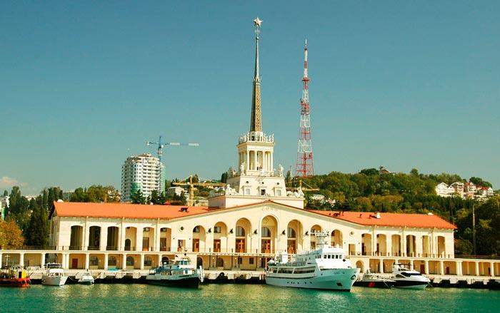 Что посмотреть в Сочи: Морской вокзал