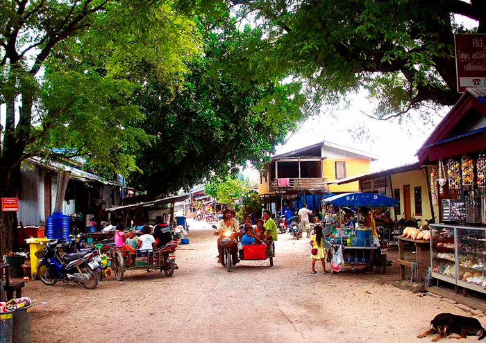 Tajskaya-derevnya-Phuketa