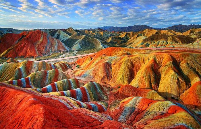 самые красивые места мира: Цветные скалы Чжанъе