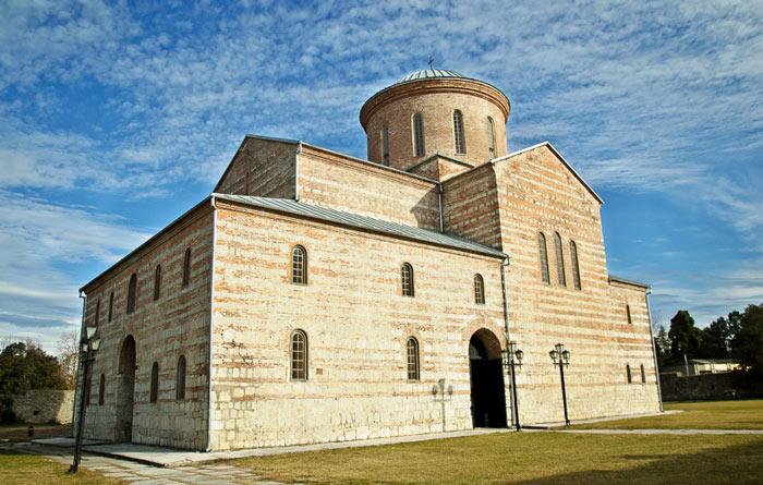 Экскурсия по Абхазии. Picundra-khram