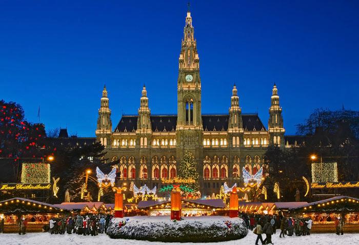 красивая рождественская ярмарка в Вене
