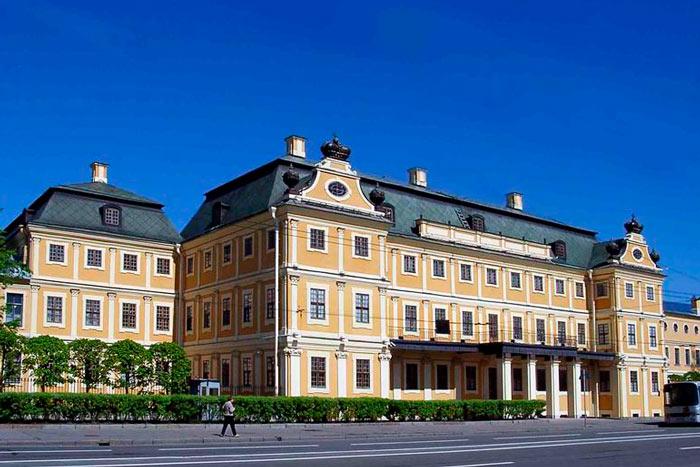 menshikovskij-dvorec