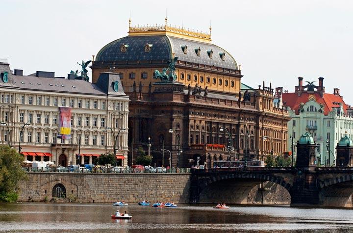 Достопримечательности Праги: Национальный театр