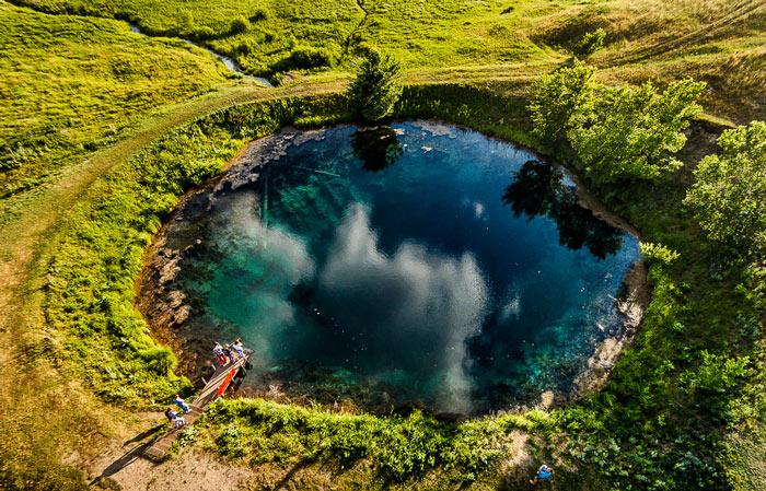 Голубое озеро