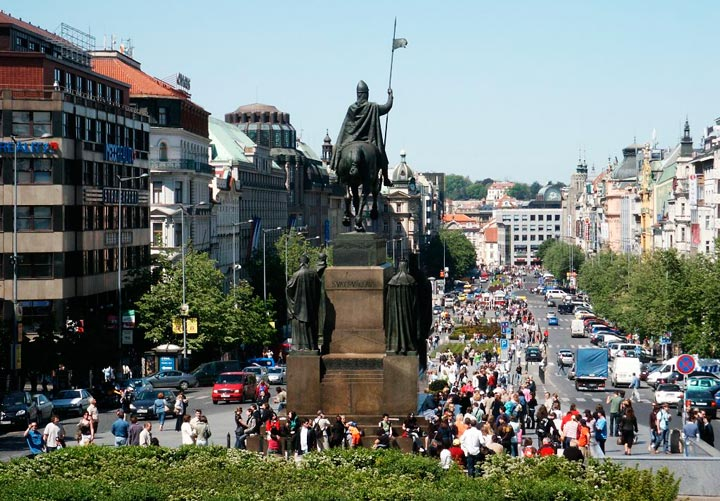 Достопримечательности Праги: Вацлавская площадь