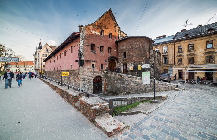 Что посмотреть во Львове: Львовский городской арсенал