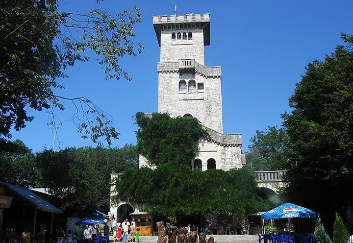 Башня на горе Ахун