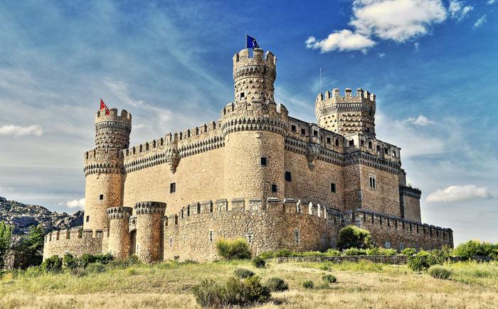замок в Испании: Мансанарес-эль-Реал