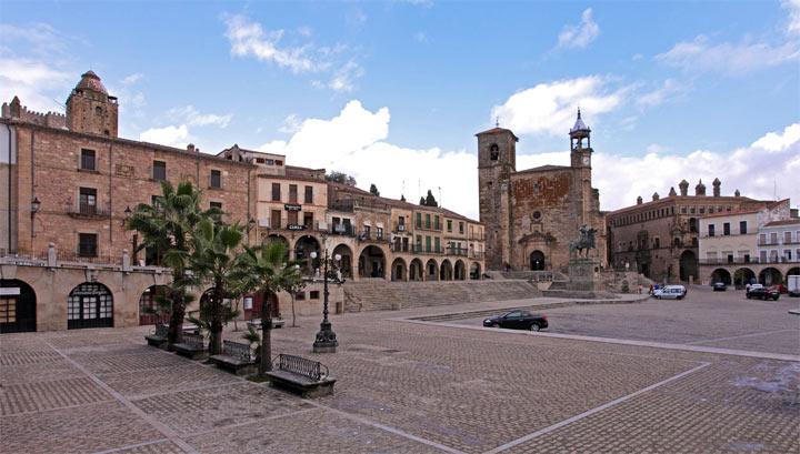 17 самых красивых небольших городов Испании: Трухильо