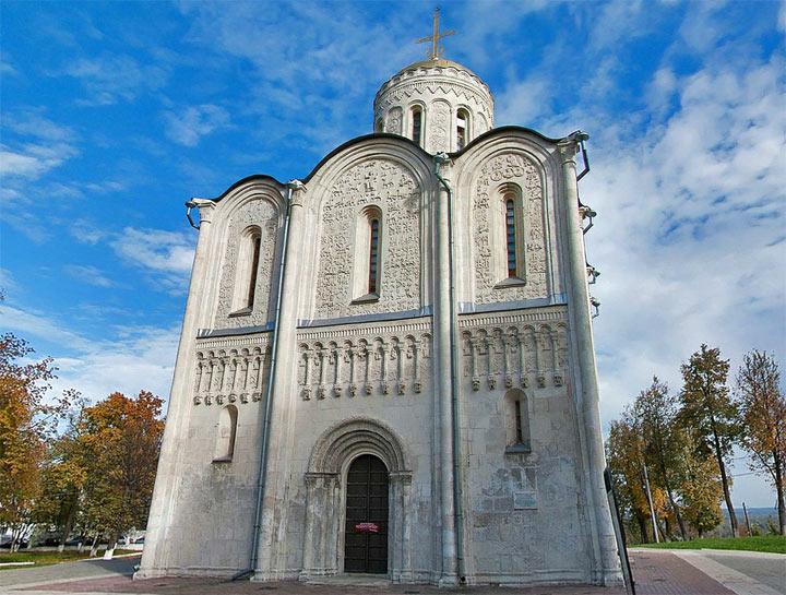 Что посмотреть во Владимире: Дмитриевский собор