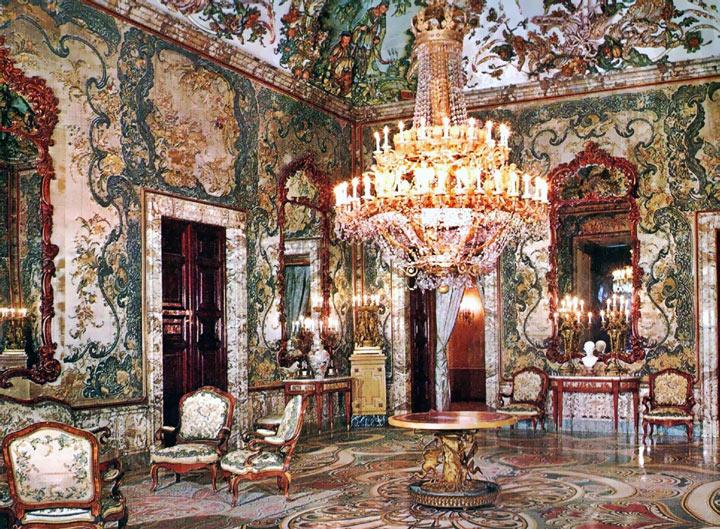 Зал Гаспарини в Королевском дворце