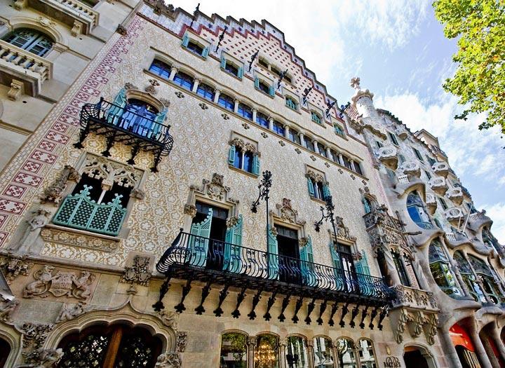 Самые красивые места Барселоны: дом Амалье