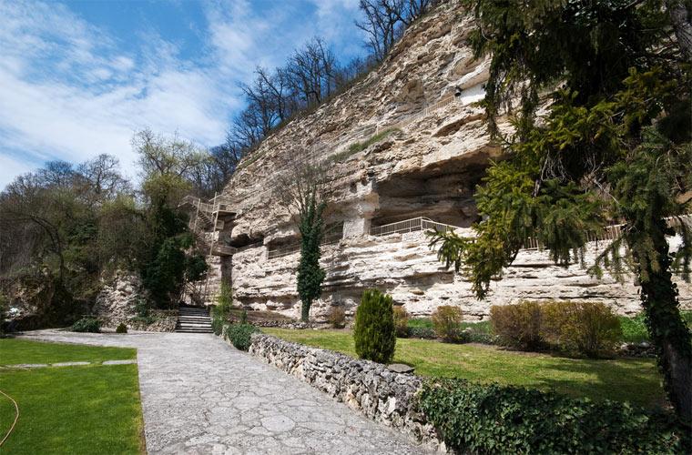 Достопримечательности Болгарии: Монастырь Аладжа