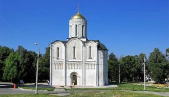 Величественный Дмитриевский собор во Владимире
